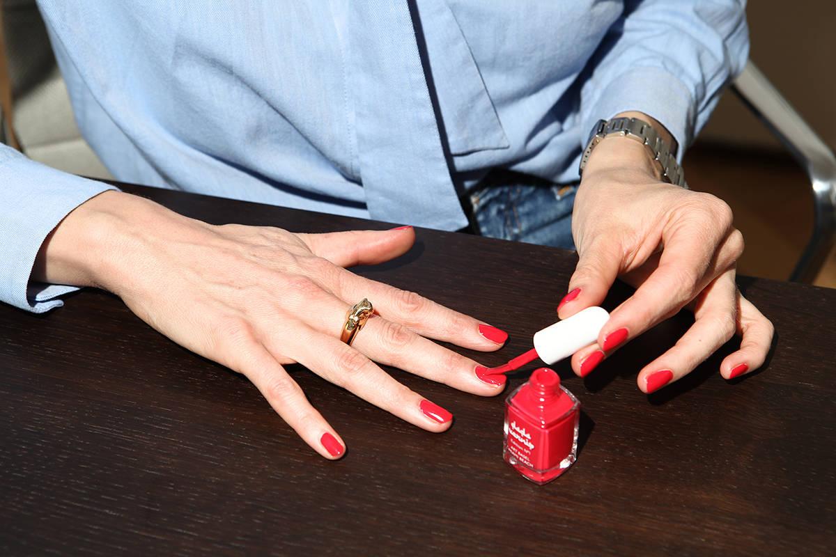 Rahel Morgen Powder Paper Dada Vernis Art Basel Red Nails